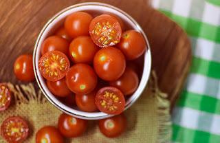 Manfaat Buah Tomat Untuk Bekas Jerawat