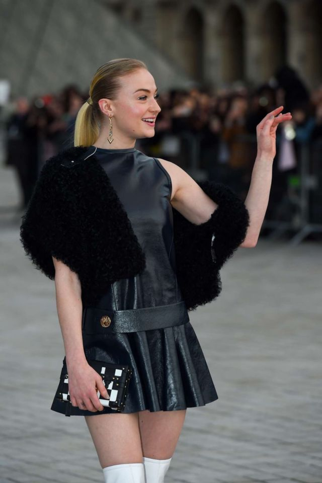 Sophie Turner Hot