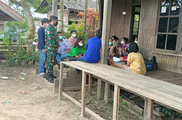 Babinsa Koramil 1011-11/Kapuas Hulu Monitoring Vaksinasi Covid-19