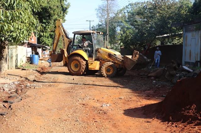 Prefeitura de Foz prepara ruas do Jardim São Luiz para pavimentação