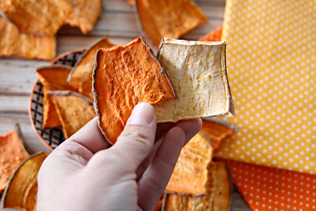 A comparison of blanched vs. unblanched dehydrated sweet potato (kumara) dog treats