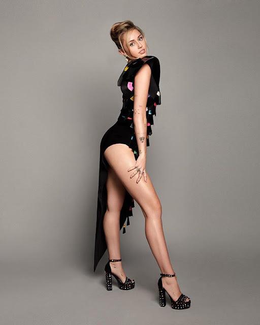 Miley Cyrus Hot & Sexy pics