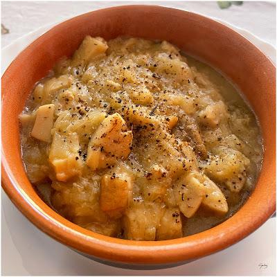 Zuppa di cipolle e porcini.