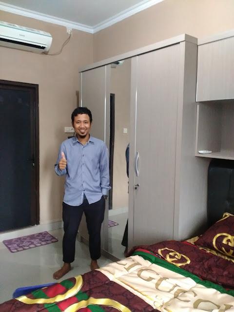 lemari pakaian HPL minimalis