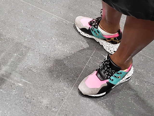 Shoespotting- colorful sneakers
