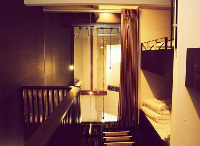 osaka sekai hotel fuse dormitory double decker beds