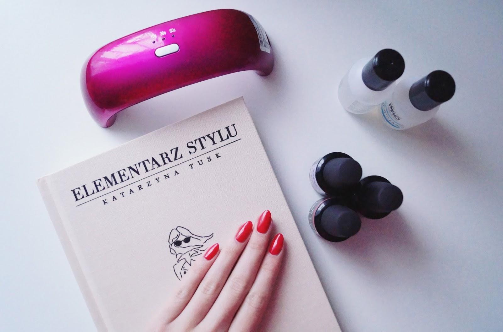 Cudowna czerwień na paznokciach od Mollon Pro - recenzja zestawu do manicure hybrydowego Mollon Pro Hybrid Care