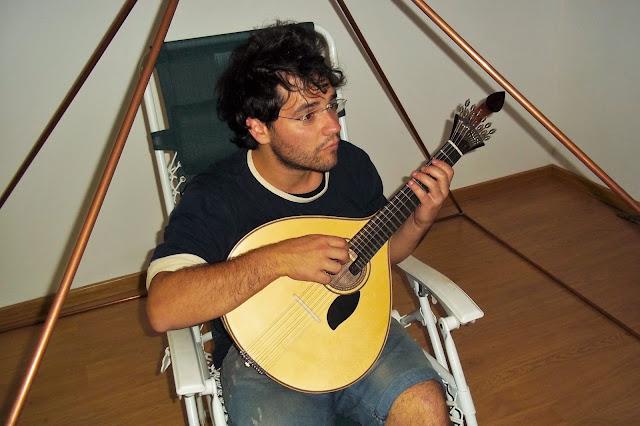 chitarra portoghese