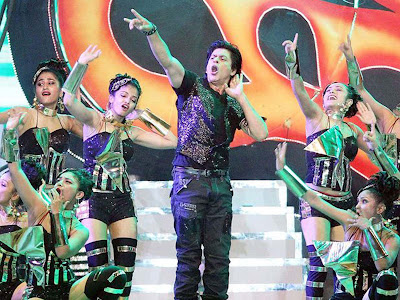 Shah Rukh Khan Performs during the Pepsi Indian premier League Opening Ceremony