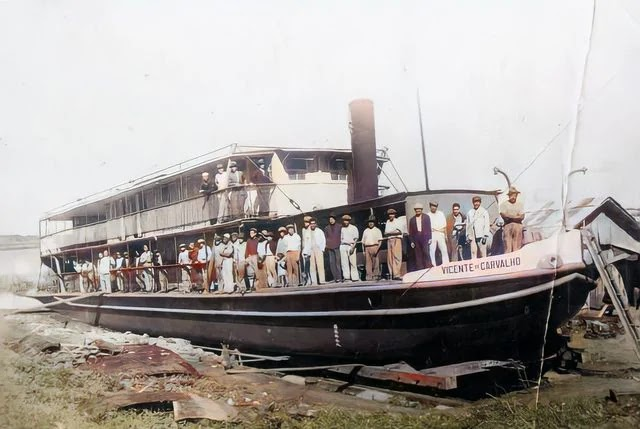 """Vapor """"Vicente de Carvalho"""". Foto colorizada, possivelmente por volta da década de 1920. Arquivo do Autor."""