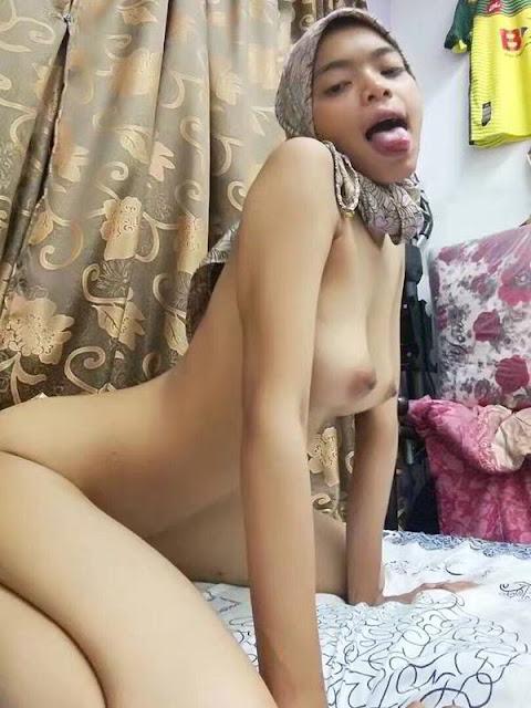 abg jilbab bugil horny 02