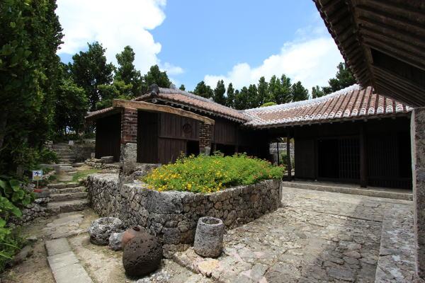บ้านนากามูระ (Nakamura Residence: 中村家住宅)