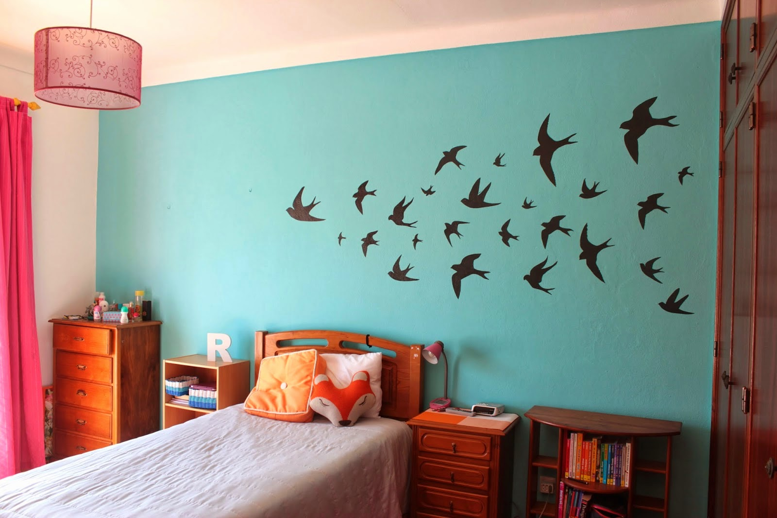 http://curlymade.blogspot.pt/2014/03/swallows-wall-decor.html