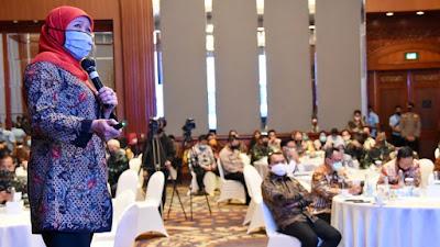 Gubernur Khofifah Paparkan Action Plan Pengendalian  Covid-19 di Depan Menko Polhukam dan Mendagri