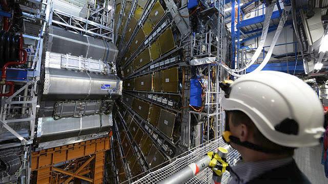 Στο CERN ανακάλυψαν νέα δύναμη της φύσης;
