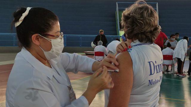 Secretaria de Saúde busca completar imunização de profissionais da educação com 2 dose contra a Covid-19