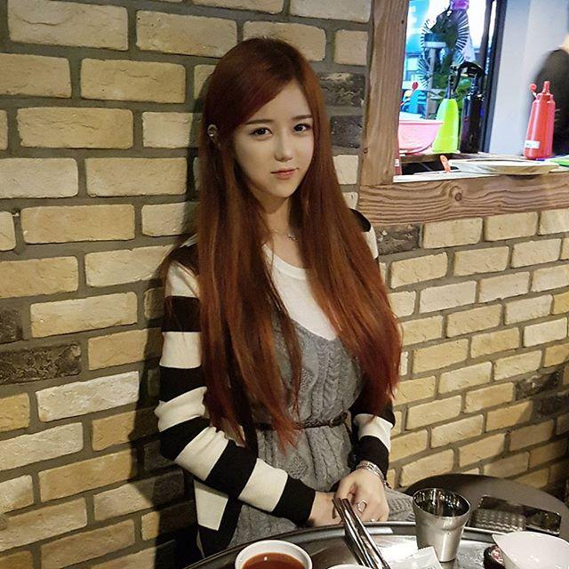 Korean Model Lee Soo Bin - Collection Pictures
