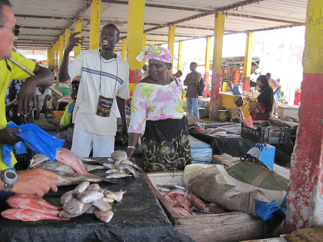 IMG_2975 ▷ Llegada de Pescadores al Puerto de Mbour