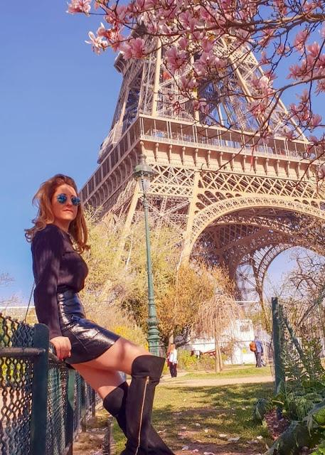Parigi, Tour Eiffel vista dal parco Champ de Mars (Campo di Marte). Alessia Siena