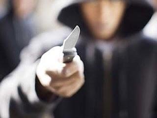 Καλό! Πως να αμυνθείτε σε μία επίθεση με μαχαίρι (ΒΙΝΤΕΟ)