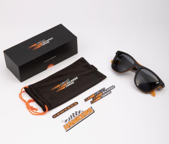 circuit-estrena-junto-hawkers-sus-gafas-sol-oficiales-35-euros