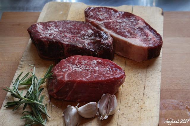 wesfood dry aged steak mit spargel und getr ffelter butter. Black Bedroom Furniture Sets. Home Design Ideas