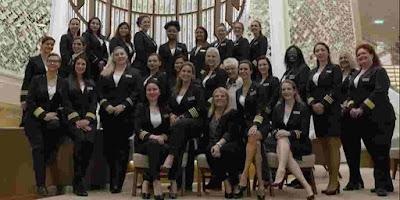 Equipa-de-oficiais-feminina