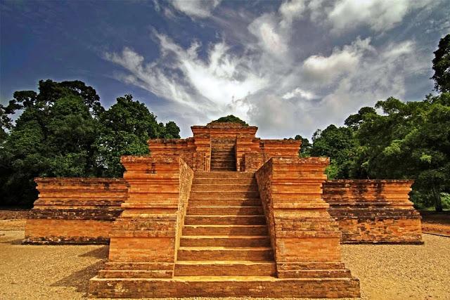 Bukti-dan-Sejarah-kerajaan-sriwijaya