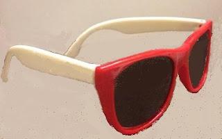 Renkli Gözlük Çerçevesi