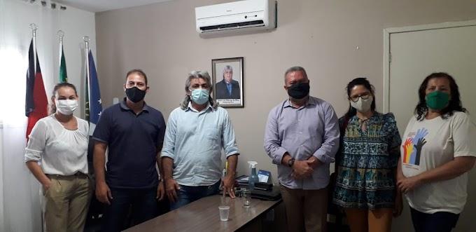Cidade de Amparo recebe visita do Coordenador Regional do Orçamento Democrático Estadual João Alves