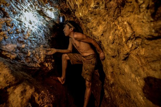 #TrueNews : 'Too young to die' 100 feet underground into illegal gold mines in Venezuela  to buy food for his family