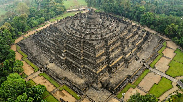 Historical Buildings and Unique Facts of Borobudur Temple