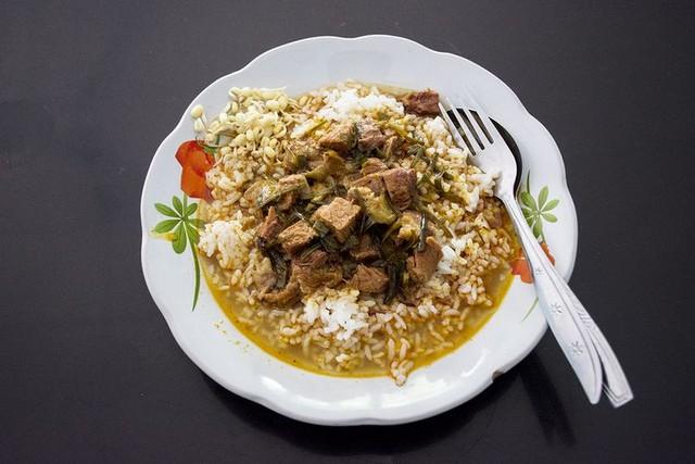 Rawon merah;Rumah Makan 17 Agustus.;10 Top Kuliner Sumenep