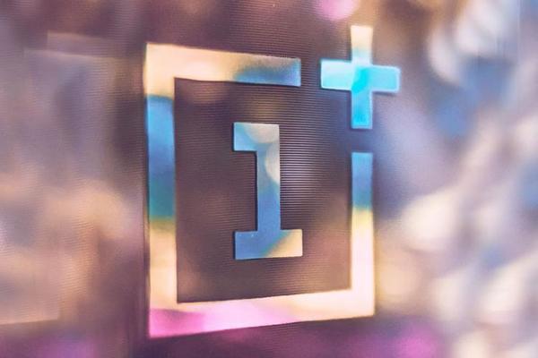 OnePlus تطلق فيديو تشويقي لهاتفها الجديد القابل للطي