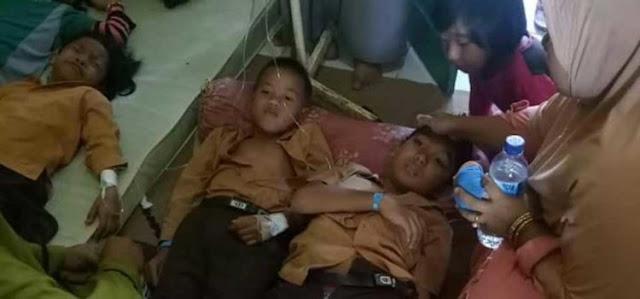 Waduh, Puluhan Siswa di KSB Dilarikan Ke Puskesmas Usai Jalani Imunisasi Rubella
