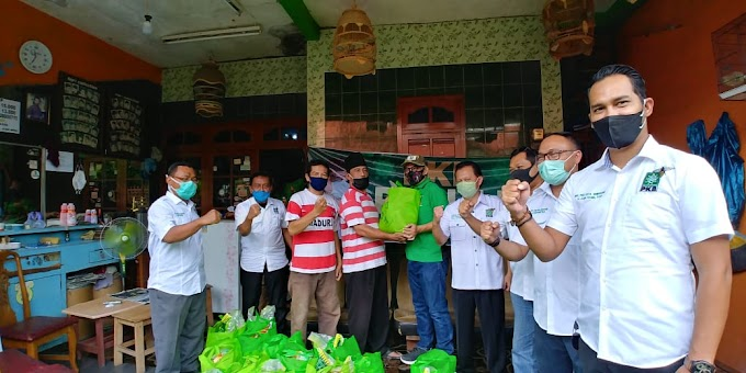 Terus Bergerak, PKB Kota Semarang Santuni Tukang Cukur Rambut dan Tukang Pijat