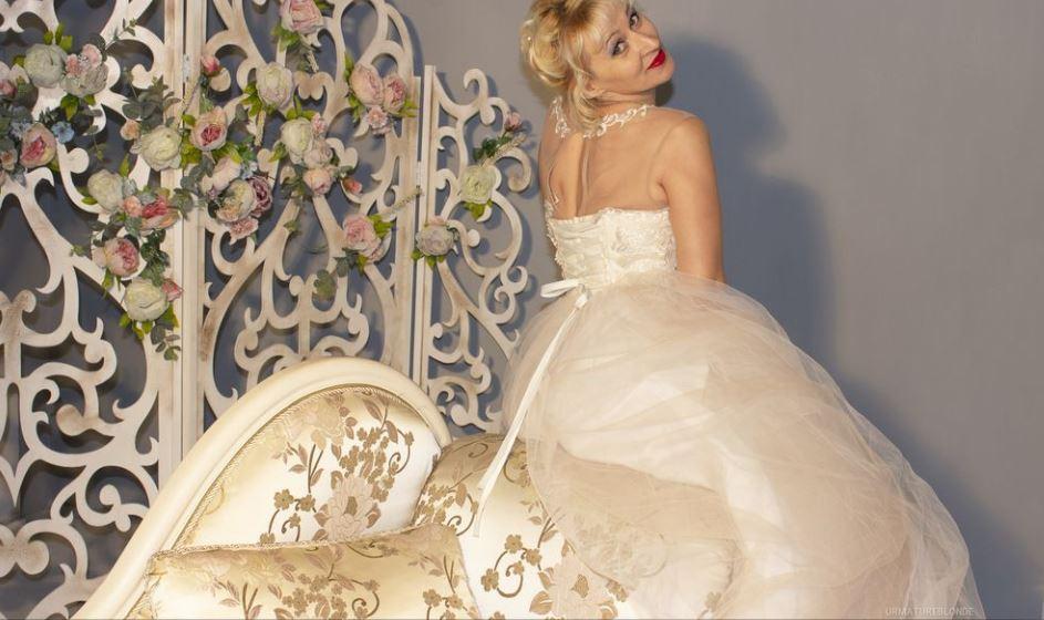 UrMatureBlonde Model GlamourCams