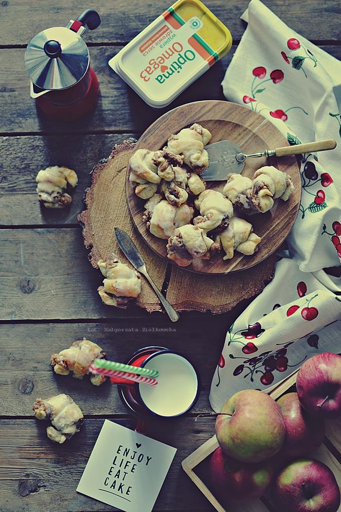Jabłkowo migdałowe rogaliki z Amaretto
