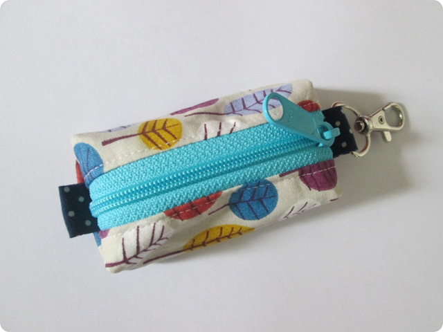 Learn how to make a small keyring pouch using scrap fabric. Tutorial ~ Stitch by Fay