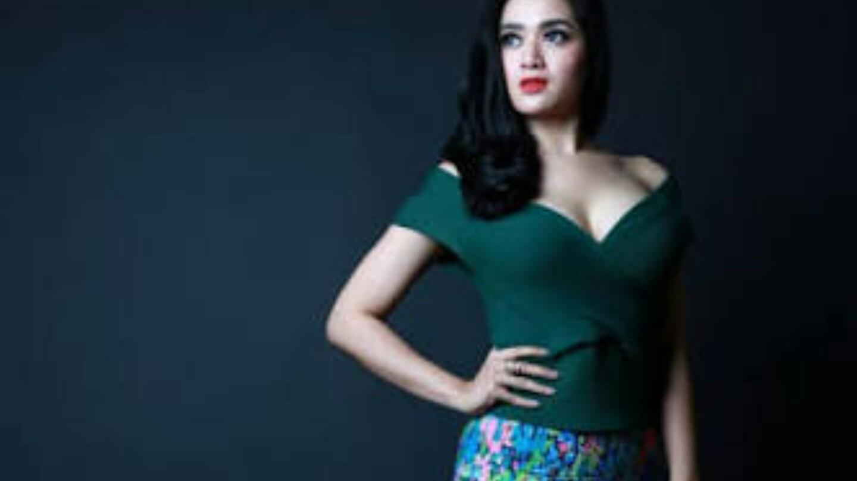 Foto Foto Menggairahkan Tiara Dewi Syahrini KW Super Cantik