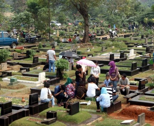 Ziarah Kubur Jelang Ramadhan