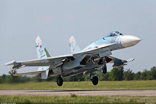 Russian Su-27 scrambled intercept US aircraft