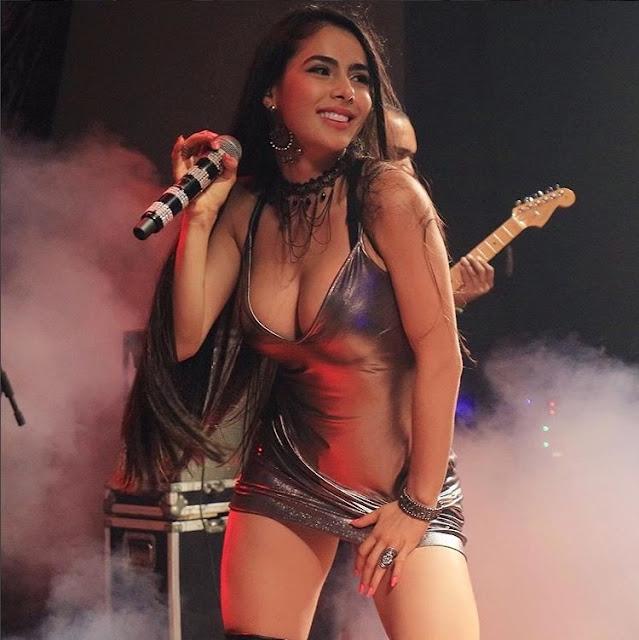 https://www.oblogdomestre.com.br/2018/06/JulianaCaetano.Colirio.html