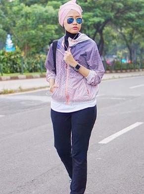 15 Gaya Pakaian Olahraga Wanita Muslim Untuk Senam Renang Dan Lari | Model Baju Busana Muslim ...