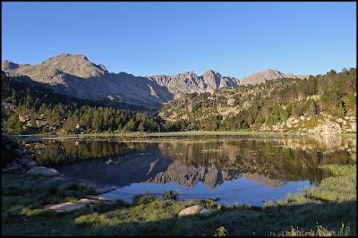 Montmalus, Ribuls, Pico de Pessons desde primer lago de Pessons