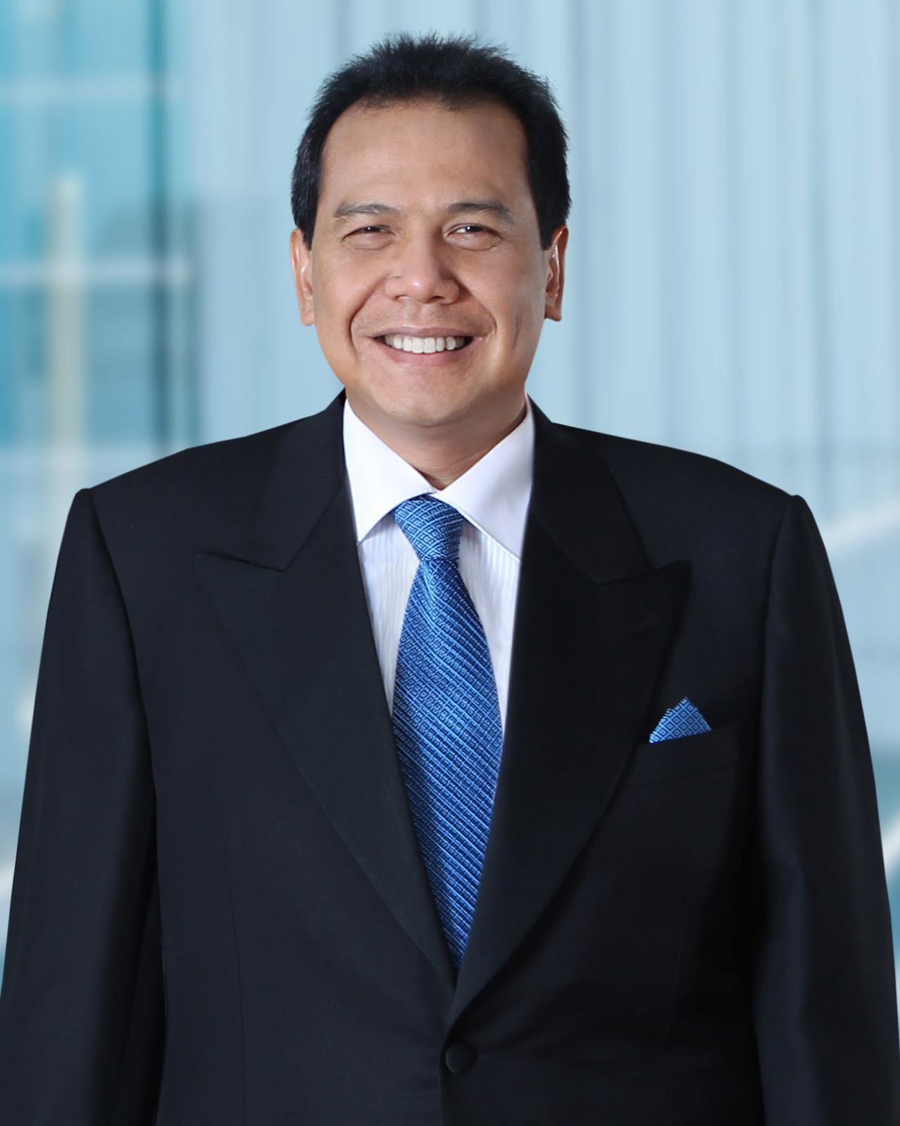Chairul Tanjung High Back Accent Chair Biografi Pengusaha Sukses Si Anak