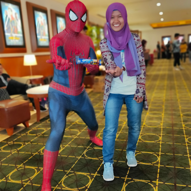 kompetisi foto oreo ala spiderman