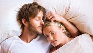 Ngủ đủ giấc giúp tăng ham muốn tình dục