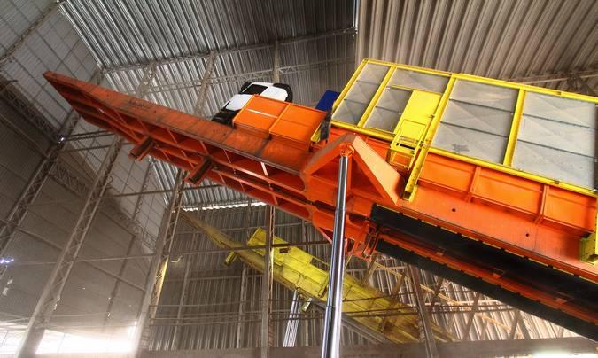 Inaugurado o primeiro tombador para caminhões de 30 metros
