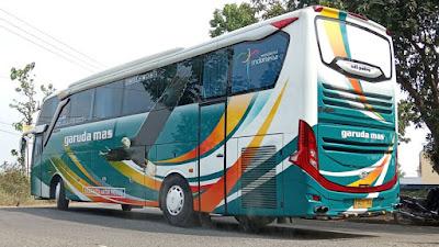 Foto Bus Garuda Mas Belakang B 7239 UGA